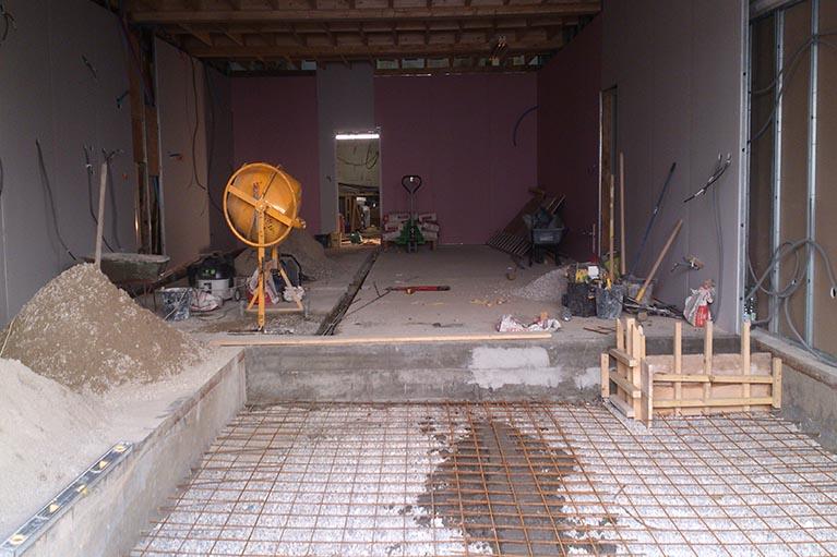 Août 2014 : Préparation de la dalle de la boutique